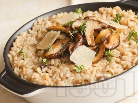 Гъби с ориз и пармезан - снимка на рецептата